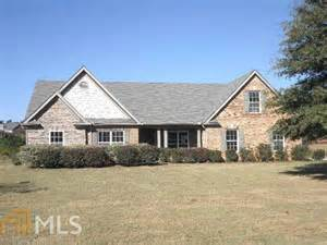 single family home for sale at 305 junction ct winder ga