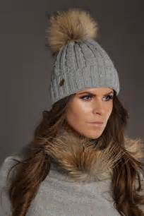 cooper cooper cable knit fur bobble hat in