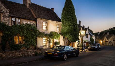 luxury cottage castle combe self catering luxury cottage burdock fox