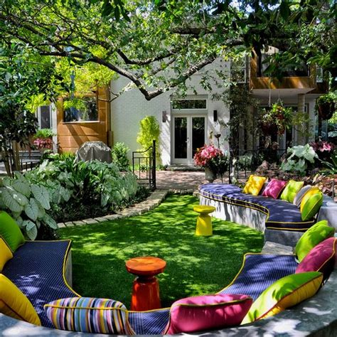 Idea For Backyard Wonderful And Inviting Backyard Decor Ideas Recycled Things