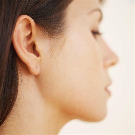 female ear lobes 15 gestes qui vous trahissent comprendrechoisir