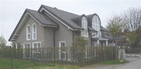 Fassade Weiß Anthrazit by Fassade In Hellgrau Und Wei 195 194 Mit Gras Davor Pictures To