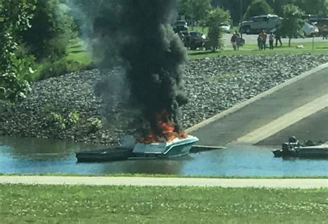 house boat explodes boat explodes catches fire at clarksville marina