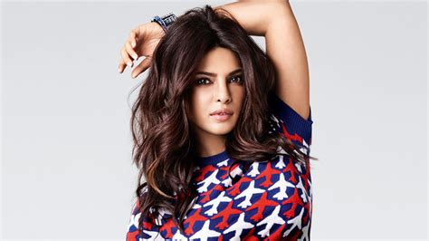 priyanka chopra beautiful hd wallpaper