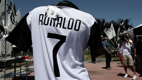 ronaldo juventus announcement cristiano ronaldo juventus transfer news real madrid announcement updates fox sports