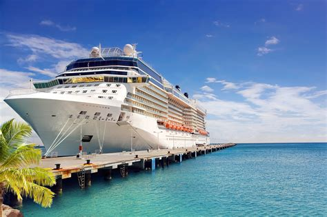 Cruise Ships Pictures
