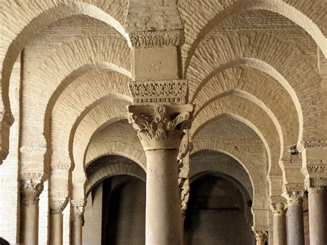 file arches and columns great mosque of kairouan jpg wikimedia commons