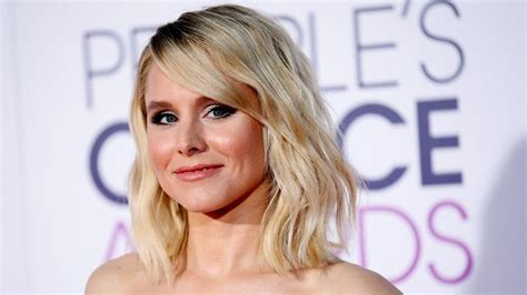 houzz kristen bell frozen actress kristen bell surprises big sister with