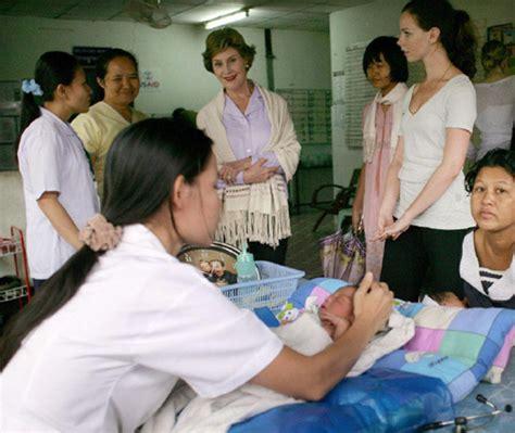 Gluta August Original Thailand Suplemen Whitening August Original bush s visit to refugee c in thailand