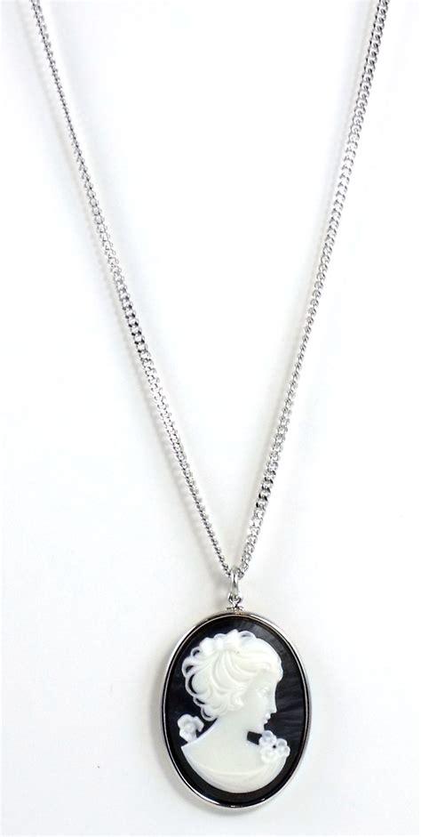 Tarina Tarantino Rosebud Cameo Necklace by Tarina Tarantino Jewelry Iconic Black Cameo Necklace Nwt