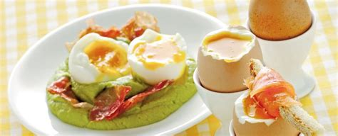 cucinare uovo alla coque come cucinare le uova sode strapazzate in camicia e