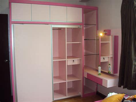 Lemari Pakaian Warna Pink lemari pakaian minimalis karya arta interior