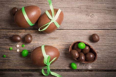 uovo di pasqua fatto in casa ricetta uovo di pasqua al cioccolato non sprecare