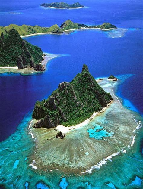 beautiful place  tourists mamanuca islands fiji