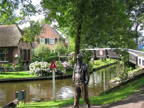 film giethoorn giethroon the village in netherlands with no roads