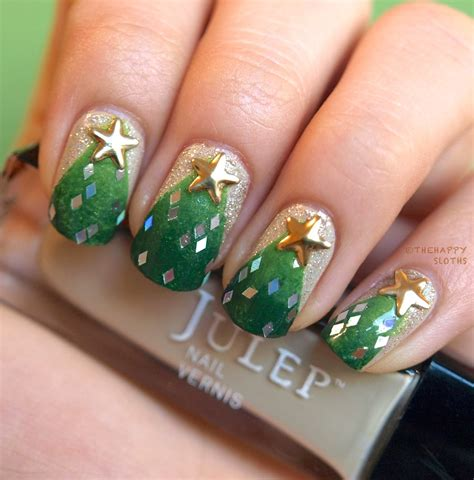 christmas tree manicure nail polish canada holiday nail