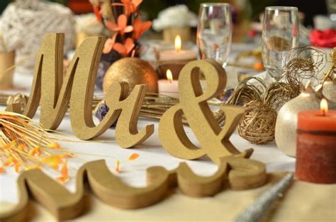 gold mr and mrs table sign gold glitter mr mrs wedding signs for sweetheart table