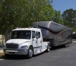 Best Truck For Towing Fifth Wheels 5th Wheel And Tow Vehicle