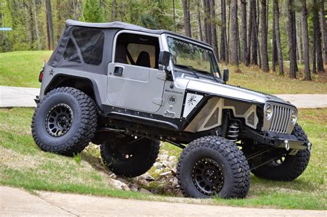 muddy jeep wrangler matthew graham 2001 jeep wrangler tj muddy wheel