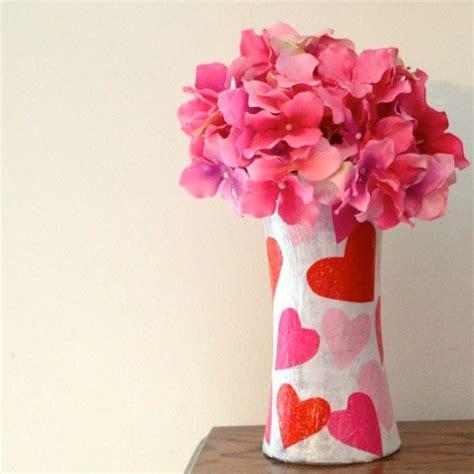 Paper Vase Craft - diy tissue paper vase mod podge rocks
