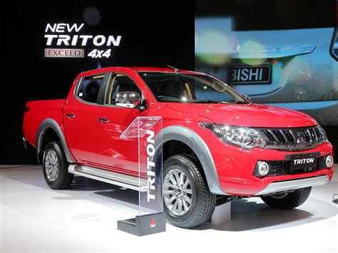 mitsubishi baru new mitsubishi triton til lebih tajam mobil baru