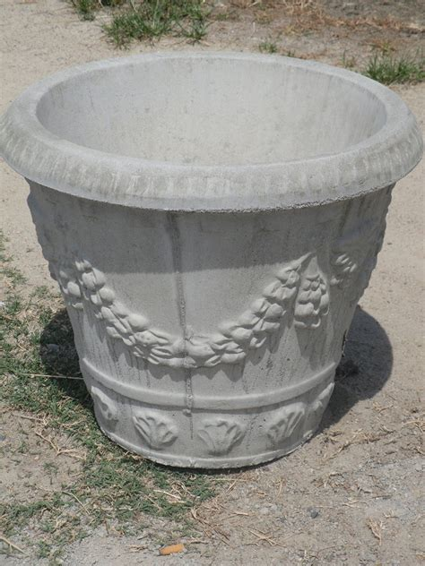Large Concrete Planter by A Pair Of Large 23 Quot Round Swag Design Concrete Planters Ebay