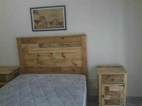 build bedroom furniture bedroom furniture refurbish with pallets