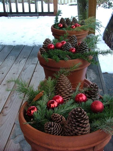 easy homemade outdoor christmas decorations 25 top outdoor decorations on easyday