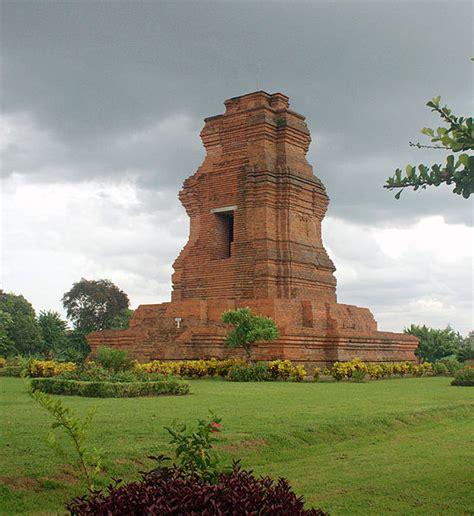 Proxemic Relief Candi Candi Abad Ke 8 10 Agus Aris Munandar Buku 10 candi peninggalan kerajaan majapahit ilham indonesia