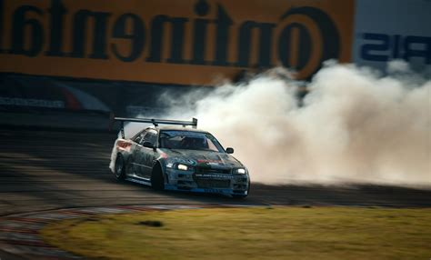 nissan skyline drift wallpaper i got a question that may be stupid can you drift and
