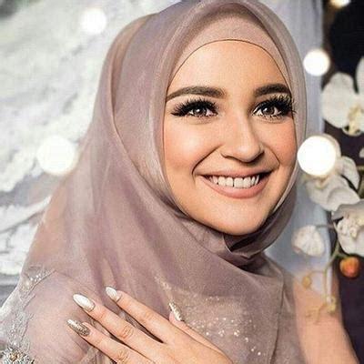 tutorial  tips pakai hijab segiempat organza