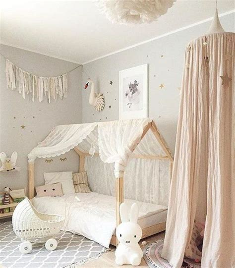 decoration chambre enfant the 25 best ideas about tipi fille on tipi bebe diy d 233 co chambre b 233 b 233 fille and