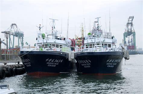 what kind of boat is the hot tuna tuna long liner boat fiberglass fishing boats
