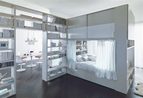 letto sopra armadio letto container con cabina armadio sopra letto caretta