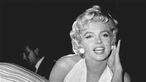 monroe s the secrets to marilyn monroe s amazing body stylecaster