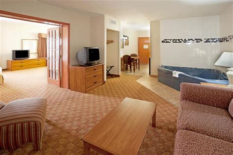 rooms to go brownsville tx inn express hotel suites brownsville compare deals