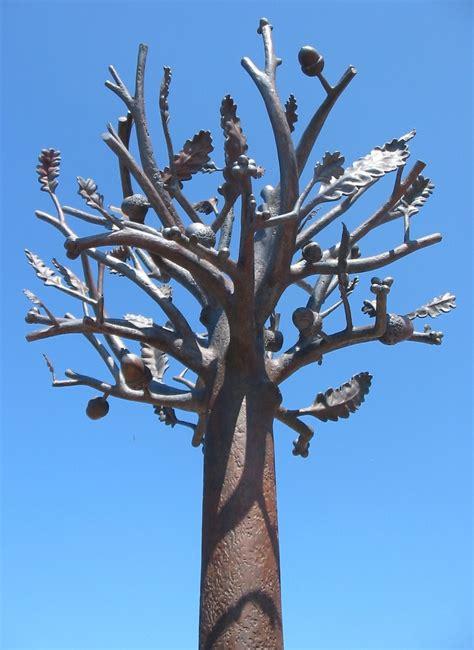 file freedom tree sculpture st helier jersey jpg wikimedia commons