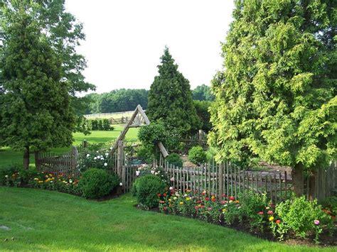 Rustic Garden Decor Ideas Landscape Farmhouse With Garden Walled Garden Ideas