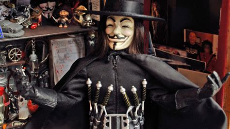 Kaos V For Vendetta v for vendetta figurine and shadow gallery gunpowderblue