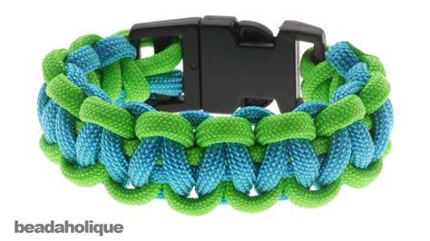 how to make a basic cobra paracord bracelet doovi