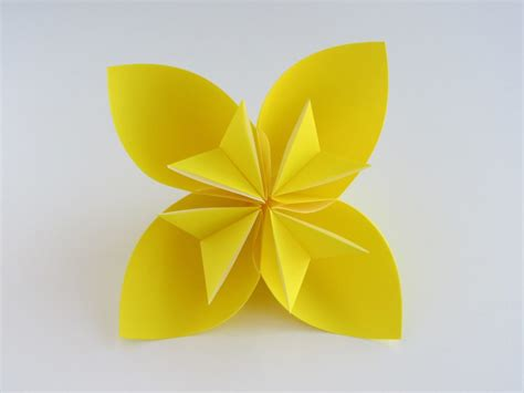 Origami Flower Paper - decorate your home with these beautiful origami flowers