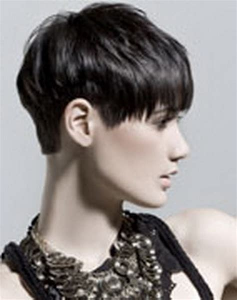 krtkie fryzury z grzywk asymetryczne undercut 20 kr 243 tkie fryzury z grzywką na prosto