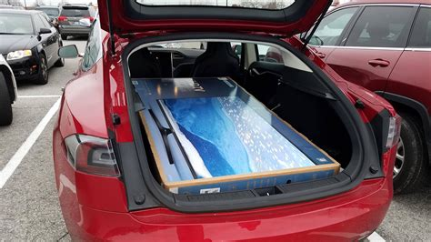 Tesla Model S Luggage Space Model X 5 Seat Configuration Cargo Space With Folding