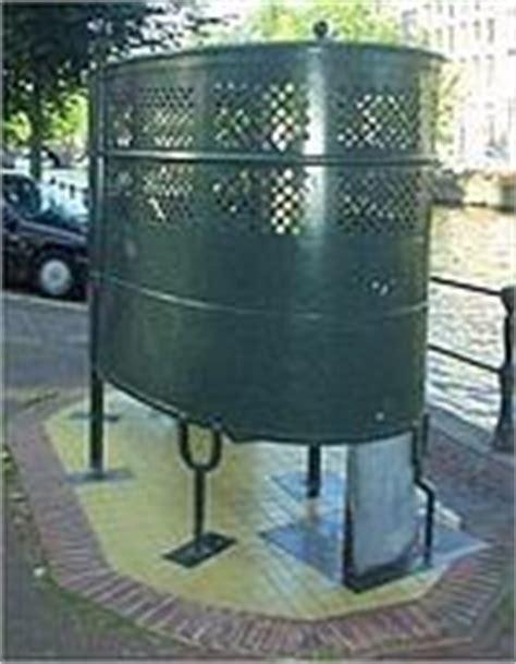 vespasiano bagno 171 no ai bagni pubblici privatizzati 187 vespasiani con info