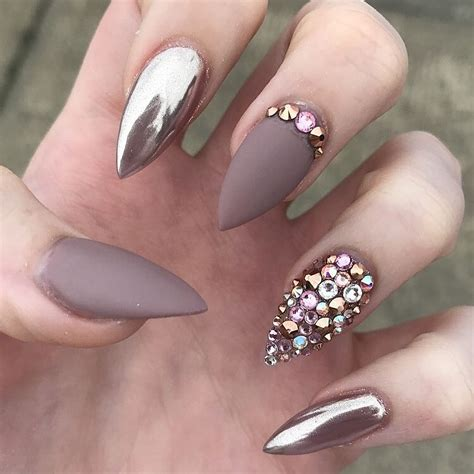 nail art latest glamourcom glamour chrome nails trends 2017 25 lucky bella