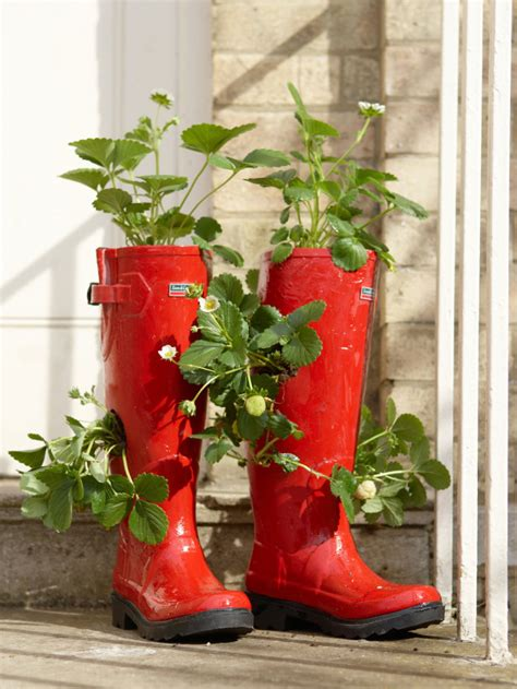 15 ways to use old shoes and boots as planters always in