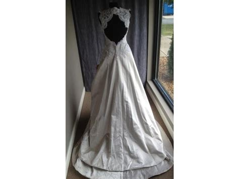 wedding dress rubber st st pucchi 195 800 size 12 sle wedding dresses