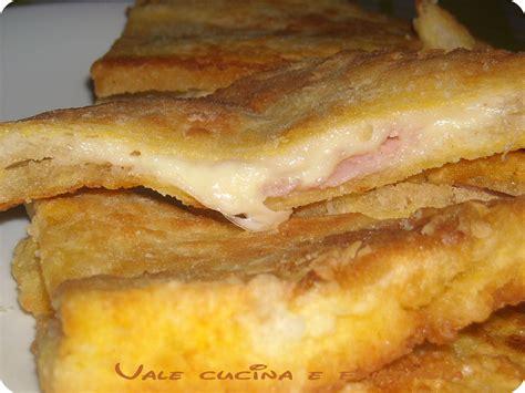 mozzarella in carrozza con prosciutto mozzarella in carrozza con prosciutto cotto ricetta sfiziosa