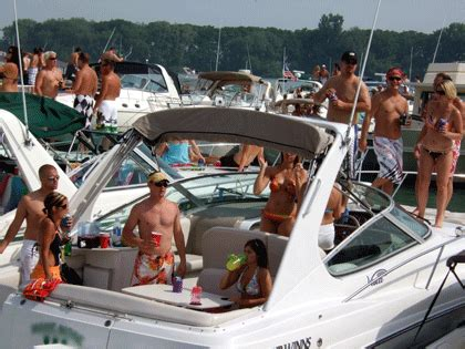 st clair boat accident michigan marinas seeing upturn in boating more people on