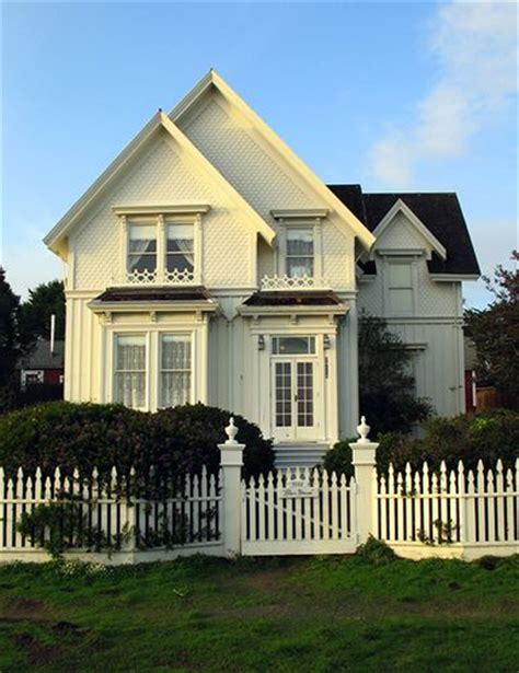 White House Cottages by The Historic Blair House In Mendocino Cottage Style Picket Fences